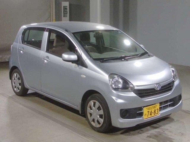 Daihatsu MIRA E S 2016