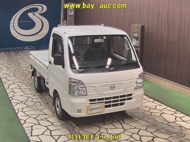 Nissan Clipper Truck 2015
