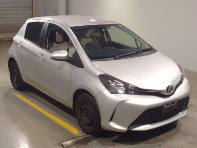 Toyota Vitz 2016