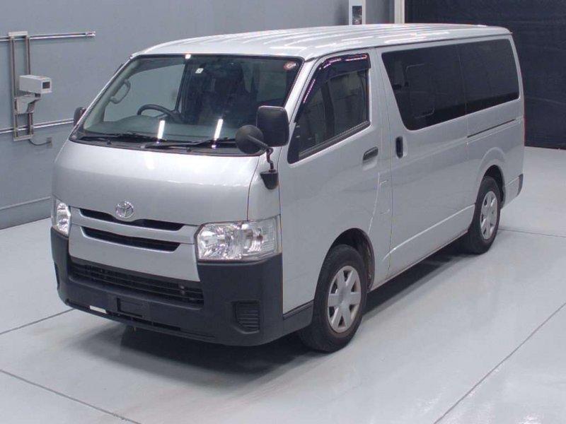 Toyota Hiace van 2017